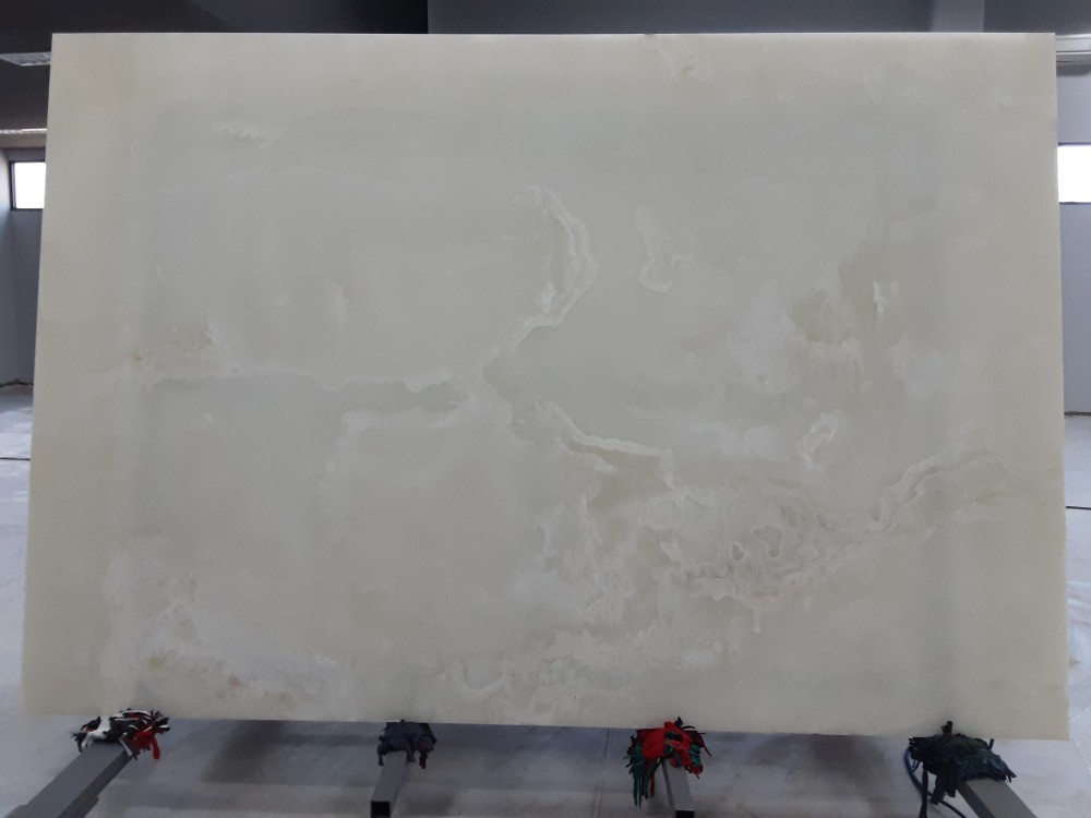 Snow Onyx